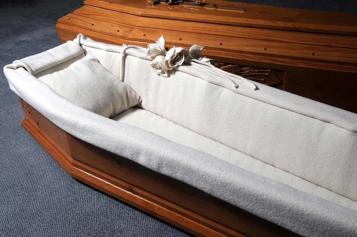 В Томске начали давать гробы на прокат
